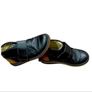 Boys Umi black leather Velcro brown suede shoes